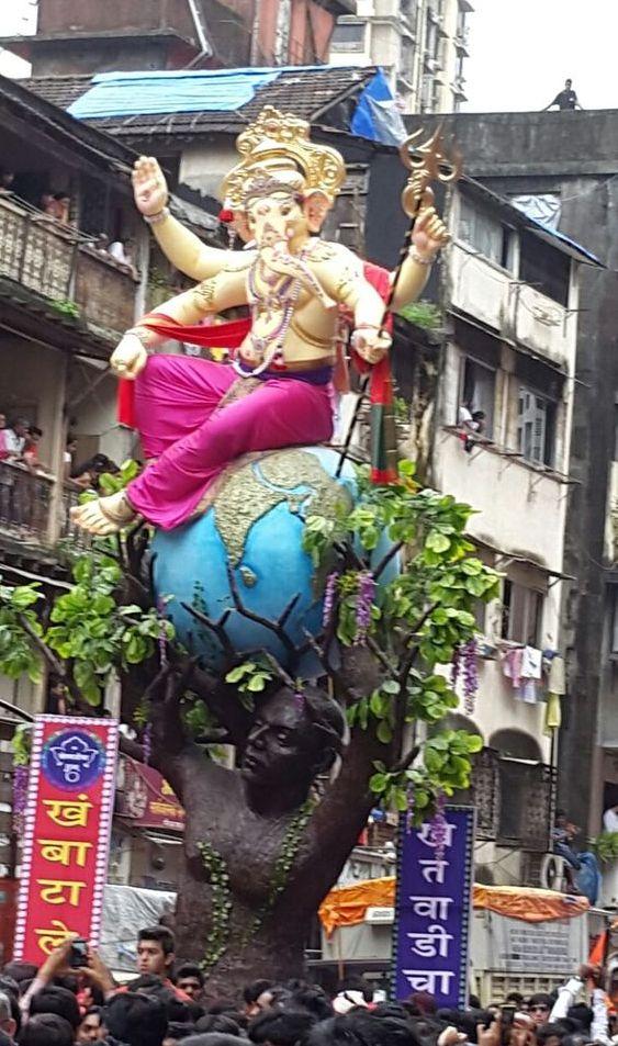 Ganesh Chaturthi Celebrating Pictures