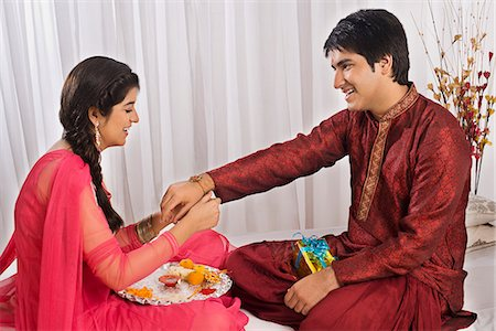 Happy Raksha Bandhan Image Brother Sister Pictures