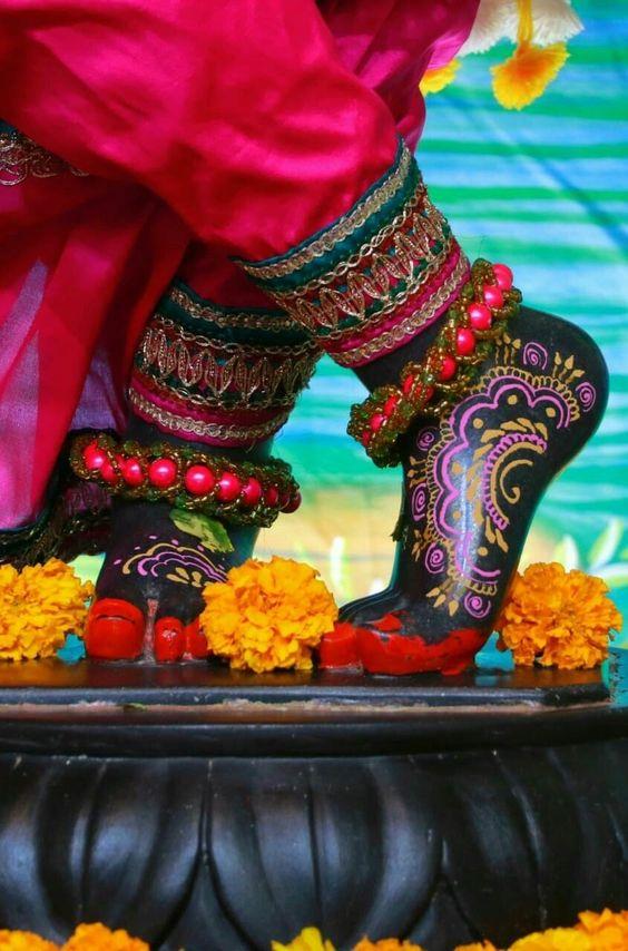 Foot Pictures of God Shri Krishna