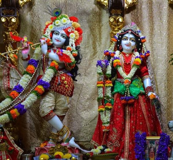 Radha Krishna Sculpture Wallpaper Download for Temple